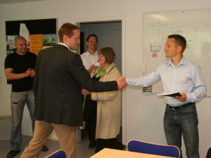 Anders Møller ønsker mig tillykke med min PhD grad